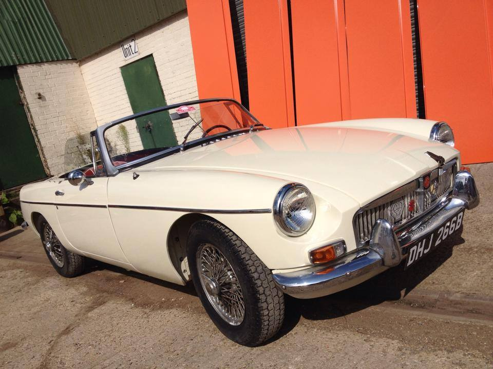 Old english white MG repair